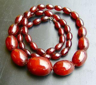 Art Déco Alte Kette Mit 46 Perlen Olivenform Bernstein Braunrot Bakelite 68 Cm Bild