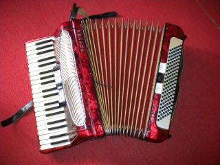 Akkordeon Von Hohner Verdi Iii,  120 Bässe Mit Koffer Bild