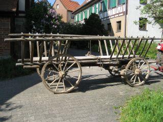 Antiker Heuwagen Leiterwagen Aus Holz – Tolle Dekoration Bild