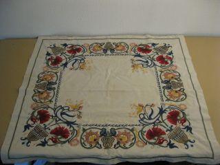 Alte Tischdecke Mitteldecke Bestickt Handarbeit Blumen 80 Cm X 80cm Bild