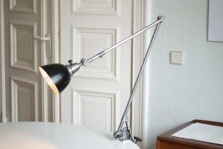 Grosse Gelenklampe Midgard Klemmleuchte Tischlampe Curt Fischer Bauhaus Loft Bild