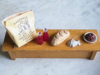 Kuchen Auf Teller Brot Saft - Flaschen Tüte Fisch Für Kaufmannsladen Puppenküche Bild