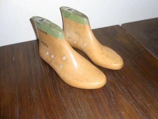 Alte Kinder Schusterleisten / Schuhleisten 1 Paar Größe 35 Ca.  22,  5cm Lang F.  Hoch Bild