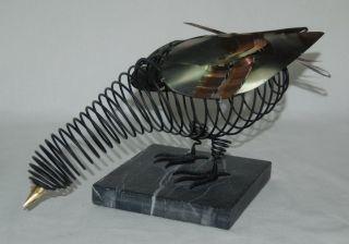 Drahtvogel Auf Marmor - Sockel - Taube - Draht Vogel Skulptur Bild