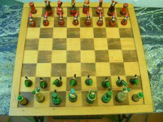 Schachspiel Aus Rußland ? Mit Ausgefallenen Figuren ; Massivholz,  Handbemalt Bild