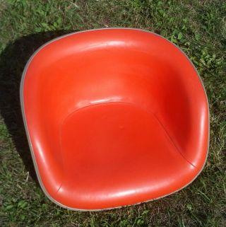 Eames Stuhlschalen,  Auf Wunsch Mit Fuß Bild