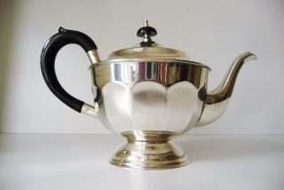 Teekanne Versilbert,  England Bild