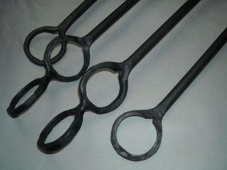 Geschmiedete Halterungen Für Ofenstangen - 4 - Teilig - Schwarz Bild