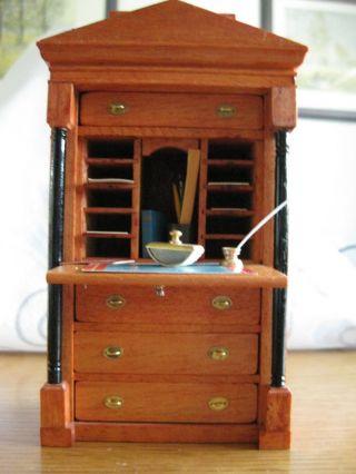 Puppenstube 1:12 Mini Mundus Biedermeier Schreibsekretär Mit Zubehör Bild