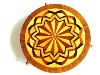 Schöne Anrichtplatte Drehbar Aus Holz Mit Einlegearbeiten Wurstplatte Bild
