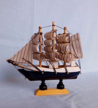 Segelschiff Modell Großsegler,  Windjammer 13 Cm Hoch Und Lang Bild