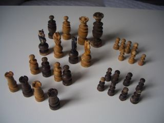 Altes Schachspiel,  Figuren Hartholz,  Schach Schachfiguren Holzkiste Bild