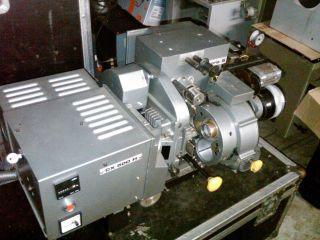 Cinemeccanica Victoria5 35mm Kino Projektor ( (mit Kleinen 500w Lampenhaus)) Bild