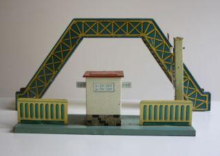 Konvolut Hornby Brücke,  Bahnsteig Us Zone Germany Bub? Blech Bahnhof Zubehör Bild