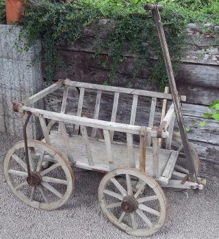 Antiker Alter Handwagen - Holzhandwagen - Leiterwagen Bild
