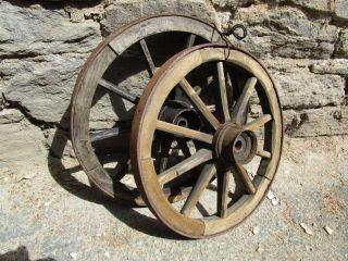 Konvolut Hand - Wagenrad Holzrad Decken - Leuchter 47 Cm Eisenring Antik Deko Bild