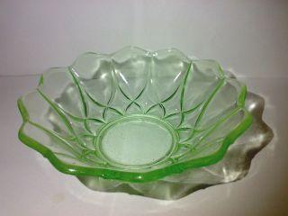 Hübsche Kleine Glasschale Glas Schale Pressglas Grün Art Deco ? Dia: 13 Cm Bild