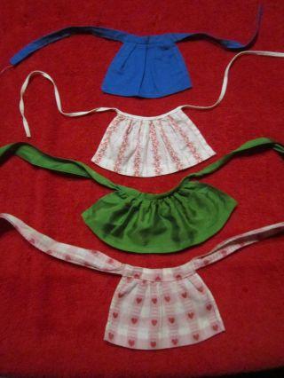 Schöne Alte Puppenkleidung - 4 Kleine Schürzen Bild