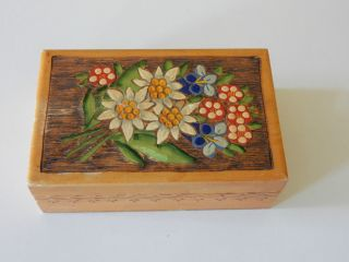 Holzdose Schachtel Brandmalerei Blumenmotiv Edelweiß Enzian Bild