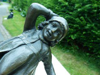 Bronze Skulptur Schulmädchen Figur Art Deco Von Chiparus Signiert Mädchen Kind Bild