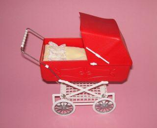 Puppenstube,  Puppenstubenzubehör,  Top Kinderwagen,  Rot Mit Fererung Bild