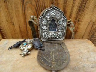 Zwei Tibetische Buddhistische Reisealtar Ghau Reliquienbehälter Buddha Amulett Bild
