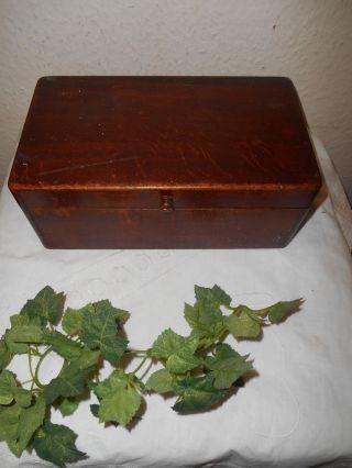 Sehr Altes Holzkästchen Mit Aufklappbaren Deckel Ca.  1920 - Dachbodenfund Bild