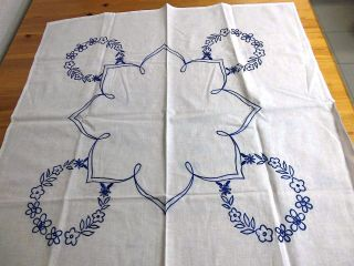 Mitteldecke,  78 X 78 Cm,  Weiß,  Stickerei In Blau,  Handarbeit,  Unbenutzt Bild