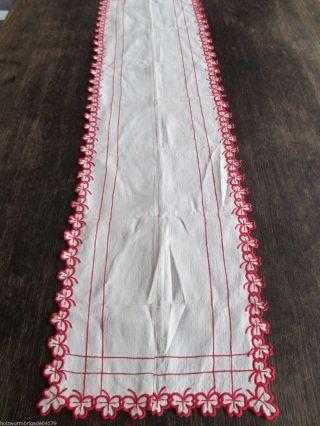 Schöner Alter Tischläufer Rote Kleeblatt Stickerei Leinen 108 X 27 Cm Bild