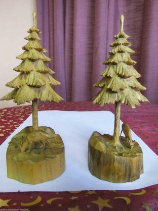 Zwei Von Hand Geschnitzte Weihnachtliche Dioramen Reh Mit Tannenbaum Ddr Um 1965 Bild