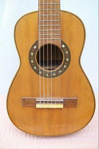 ältere Gitarre (quintgitarre,  Made In Spain) Bild