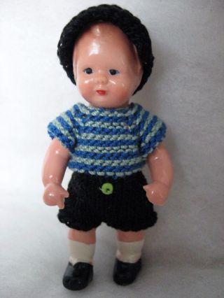 Puppenstube - Puppe - Edi - Püppchen 7,  5 Cm Groß Bild