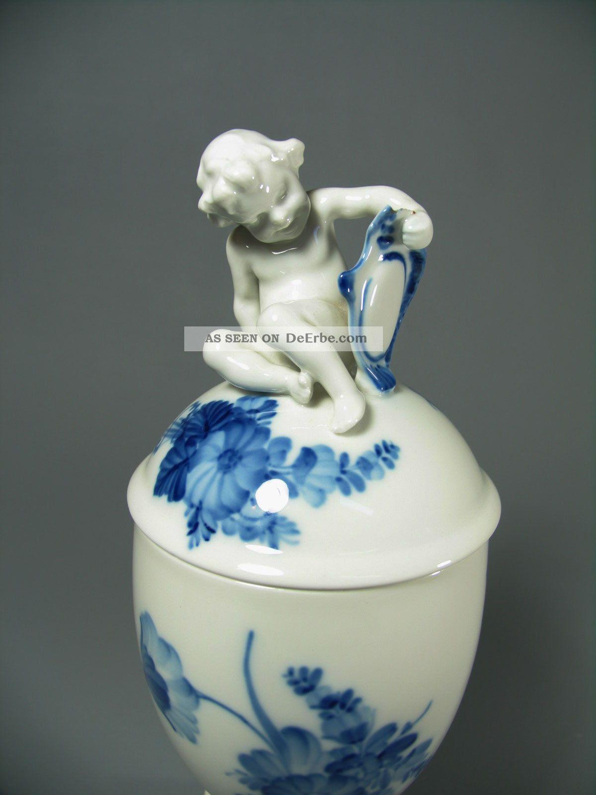 royal copenhagen porzellan blaue blume deckelpokal urnen. Black Bedroom Furniture Sets. Home Design Ideas