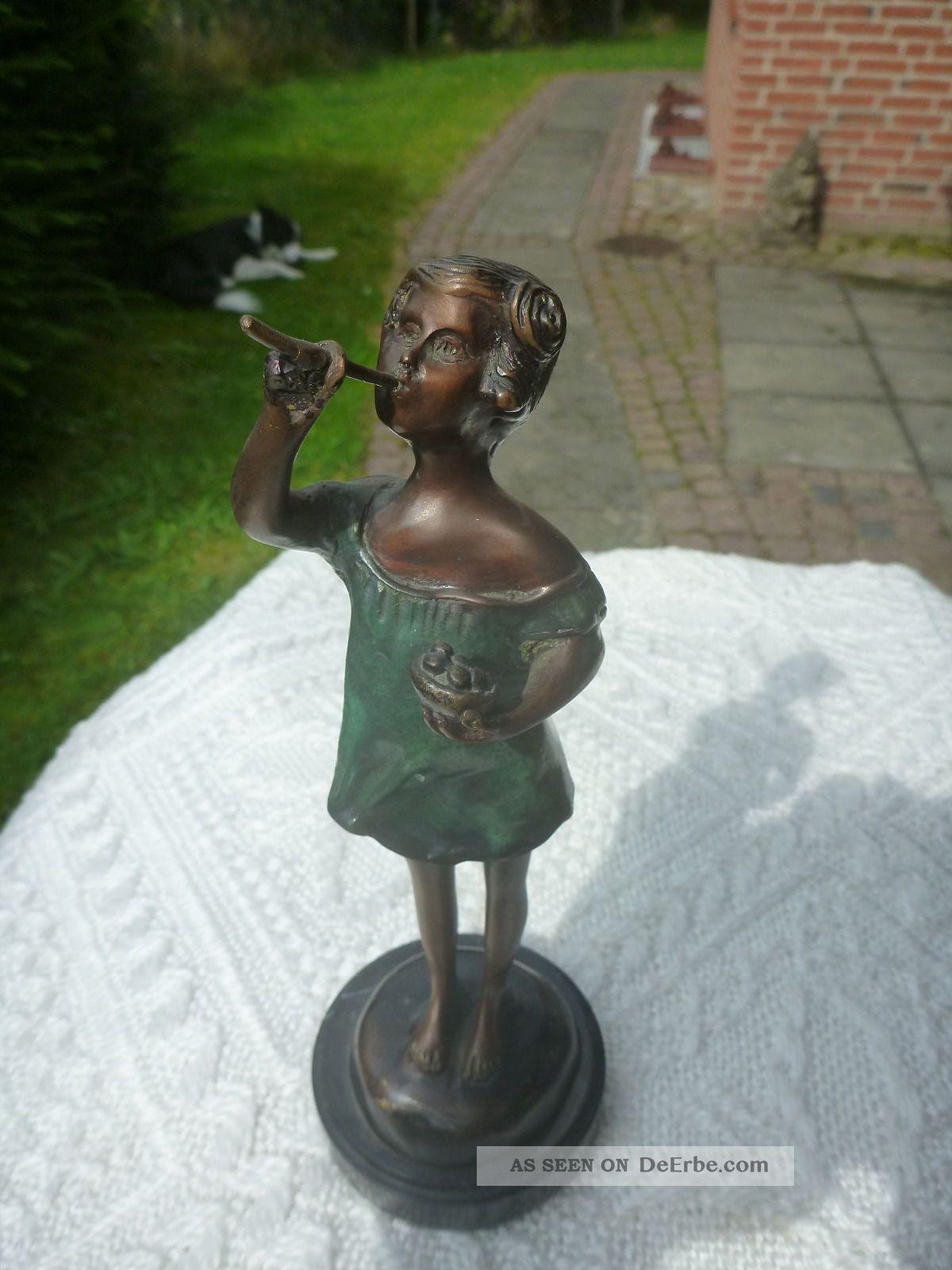 Bronze Skulptur Sign.  Auguste Moreau Antik Mädchen M.  Seifenblasen Figur Kind 1900-1949 Bild