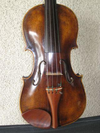 Alte Stainer Violine Brandmarke Und Inschrift. Bild