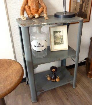 Industrial Design Werkstatt Loft Shelf Regal Schränkchen Kommode Sideboard 1940 Bild