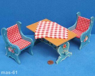 Dora Kuhn 2 X Bauernstuhl,  Tisch 1:12 Puppenhaus Puppenstube Bauernmalerei Bild