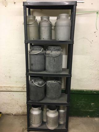 Alte Milchkanne Ohne Deckel Aluminium Oder Kunstoff Milchbehälter Bild