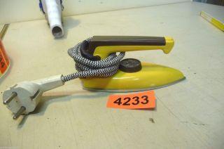 Nr.  4233.  Altes Kinderbügeleisen Kleines Bügeleisen Bild