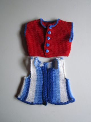 Schöne ältere Puppenkleidung - Jäckchen Und Weste Aus Wolle Bild