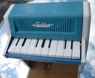 Dachboden/haushalt/sammlung Alt Ex Ddr Kinder Spielzeug Klavier Holz / Plastik Bild
