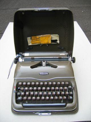 Triumph Perfekt Schreibmaschine Mit Koffer Antik 50er Jahre Topzustand Bild