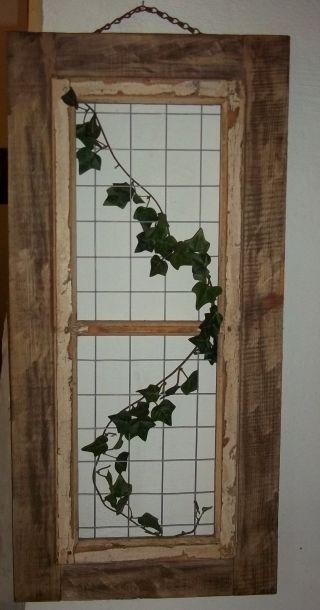 Uraltes Sprossenfenster - Holzfenster Mit Gitter - Metall - Deko Top Bild