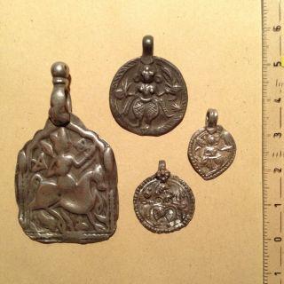 4 Antique Silver Pendants,  India,  Goddess - Vier Antike Indische Silberanhänger Bild