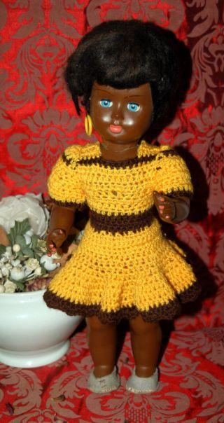 Dunkles Puppenmädchen - Puppe Aus Zelluloid - Ungemarkt Bild