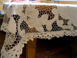 Alte Tischdecke Mit Klöppelspitze Handarbeit Ca.  122x150 Cm Beschädigt Bild