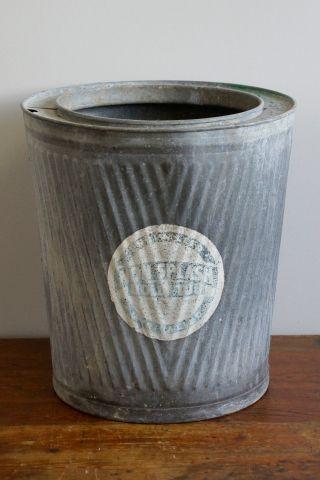 Dolly Tub Englische Waschtonne Metalltonne Zinktonne Mit Altem Werbeaufdruck Bild