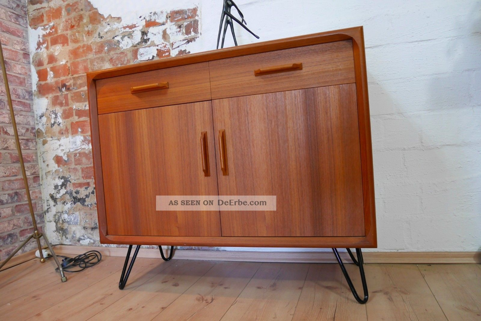 teak sideboard kommode schrank 60er 70er jahre mit hairpin legs danish design. Black Bedroom Furniture Sets. Home Design Ideas