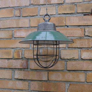1/2 Alte Emaille Lampe.  Industrielampe.  Fabriklampe.  Vintage Industrial Lamp.  Loft Bild