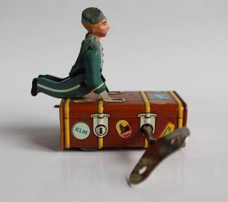 Gescha Kofferboy Express Boy Mit Uhrwerk,  Schlüssel Funktioniert W.  Germany Selten Bild